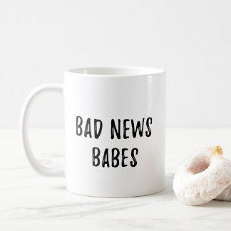 悪いニュースの可愛い人 コーヒーマグカップ
