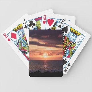悪い月の上昇のカジノカード バイスクルトランプ