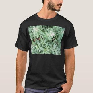悪臭の雑草 Tシャツ