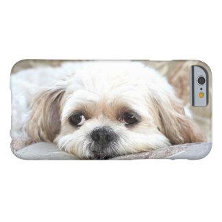 悲しいシーズー(犬) Tzuは直面します Barely There iPhone 6 ケース