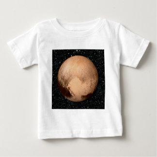 惑星のプルートのハートの星の背景(太陽系) ベビーTシャツ