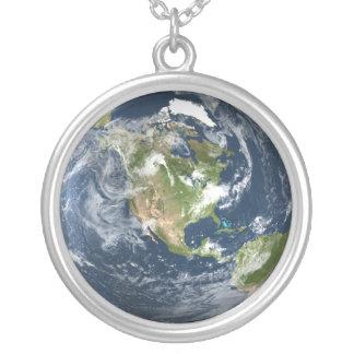 惑星の地球のネックレス シルバープレートネックレス
