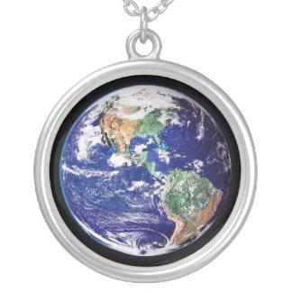 惑星の地球 シルバープレートネックレス