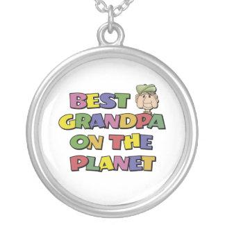 惑星の最も最高のな祖父 オリジナルネックレス