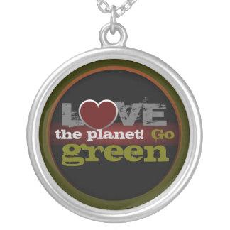 惑星の環境にやさしいことをしようのネックレスを愛して下さい カスタムネックレス