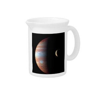 惑星ジュピターおよび火山月IO (太陽のなsys ピッチャー