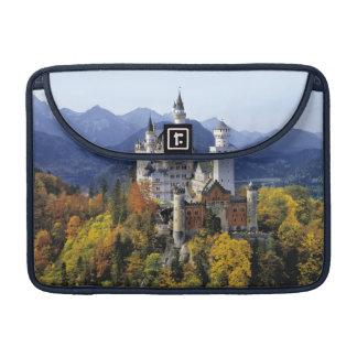 想像力に富むノイシュヴァンシュタイン城は3の1つです MacBook PROスリーブ