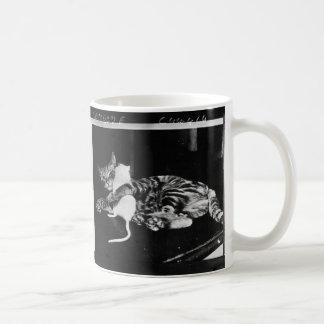 意外な友情-猫Minnieおよびマイクのマウス コーヒーマグカップ