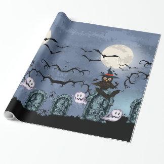 愚か者の月のフクロウが付いているハロウィンの気味悪い墓地 ラッピングペーパー