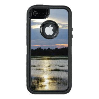 愚劣の川の夕べ オッターボックスディフェンダーiPhoneケース