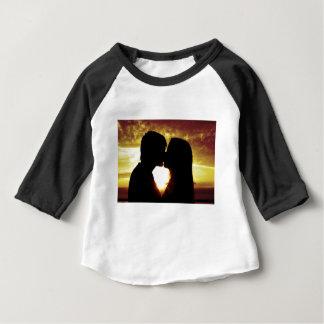 愛および夏 ベビーTシャツ