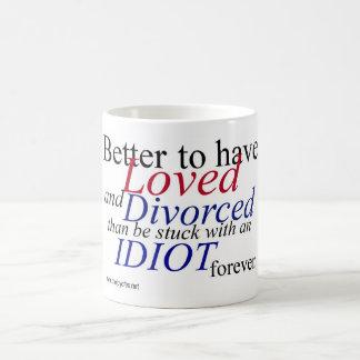 """""""愛し、離婚することよい…"""" 白いマグ コーヒーマグカップ"""
