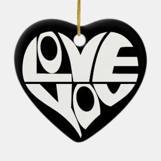 愛によってスタイルを作られる文字のハートのオーナメント セラミックオーナメント