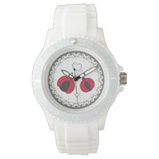 愛のかわいくガーリーで粋なてんとう虫 腕時計