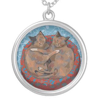 愛の猫: ヘンリー及びルビー… シルバープレートネックレス