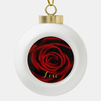 愛の赤いバラの深さ セラミックボールオーナメント