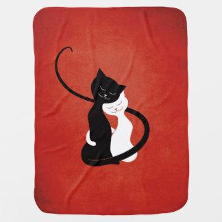 愛の赤くかわいく白いおよび黒猫 ベビー ブランケット