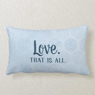 愛はすべてです。  青い円パターン ランバークッション