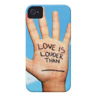 愛はより騒々しい手の電話箱です Case-Mate iPhone 4 ケース
