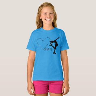 愛はハート-青いTシャツのフィギュアスケート、です Tシャツ