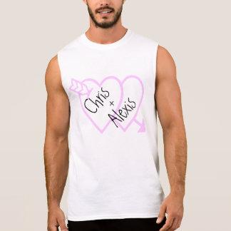 愛はピンクのハートのTシャツを示します 袖なしシャツ