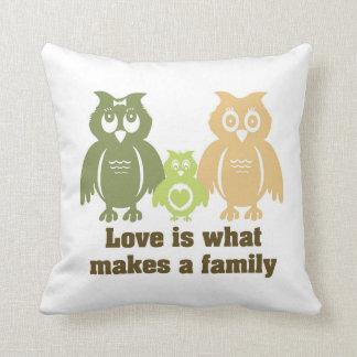 愛は家族を作るものがです クッション