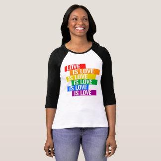 愛は愛です愛-プライド愛- - LGBTQの権利です Tシャツ