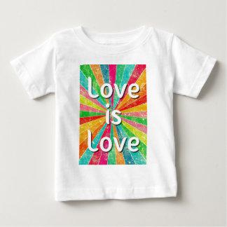 愛は愛です ベビーTシャツ