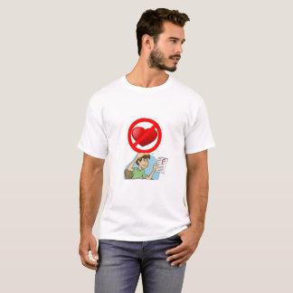 愛は決して失敗しません Tシャツ