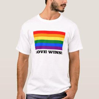 愛は虹に勝ちます Tシャツ