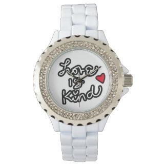 愛は親切で白いダイヤモンドの腕時計です 腕時計