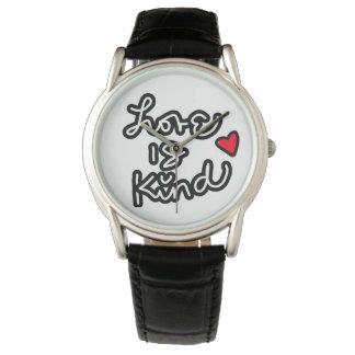 愛は親切で黒くカジュアルな腕時計です 腕時計