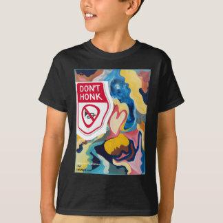 愛は警笛を鳴らしません Tシャツ