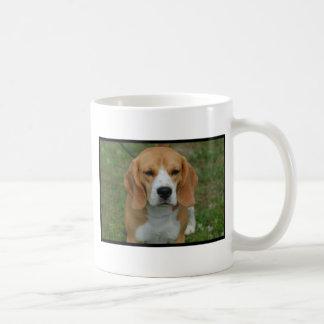 愛らしいビーグル犬 コーヒーマグカップ