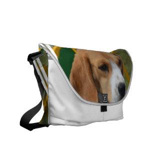 愛らしいビーグル犬 メッセンジャーバッグ