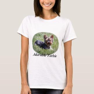 愛らしいヨークシャーテリアのTシャツ Tシャツ