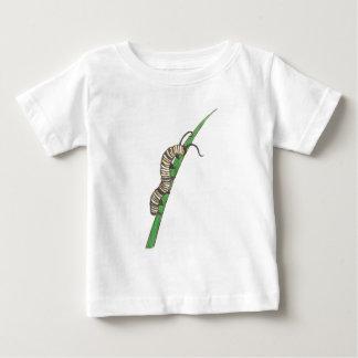 愛らしい幼虫 ベビーTシャツ