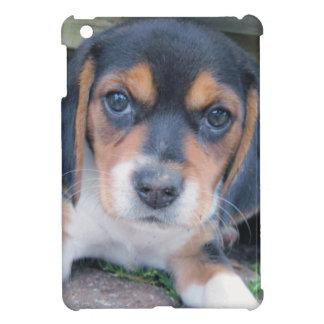 愛らしい汚れた鼻のビーグル犬の子犬 iPad MINIケース