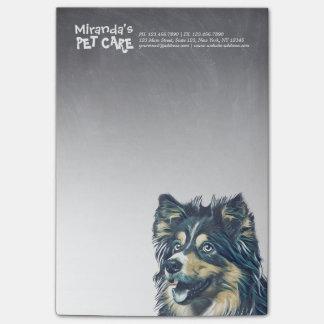 愛らしい漫画犬のイラストレーションを坐らせるペットの世話 ポストイット