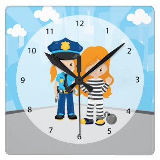 愛らしい警官 スクエア壁時計
