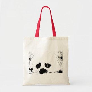 愛らしく白いマルタの小犬 トートバッグ