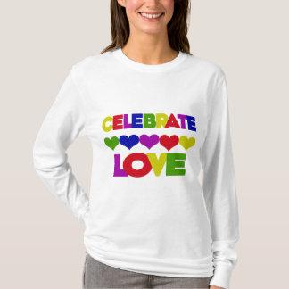 愛を祝って下さい Tシャツ