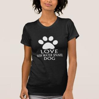 愛アイリッシュ・ウォーター・スパニエル犬のデザイン Tシャツ
