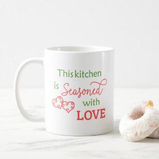 愛タイポグラフィのマグによって味をつけられる コーヒーマグカップ