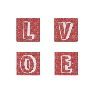 愛タイポグラフィの原稿のバレンタインデーのハート ストーンマグネット
