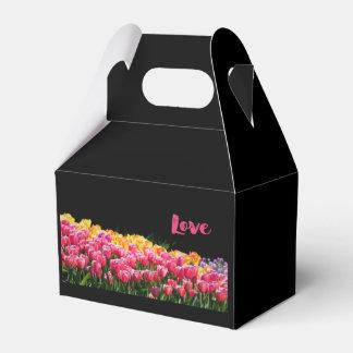 愛チューリップの庭 フェイバーボックス