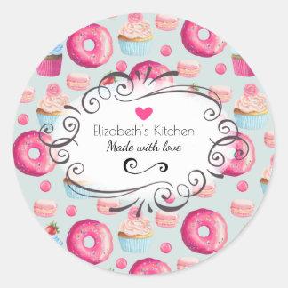 愛ドーナツおよびマカロンの台所ベーキングと作られる ラウンドシール