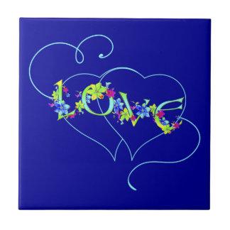 愛ハートおよび花のタイル タイル