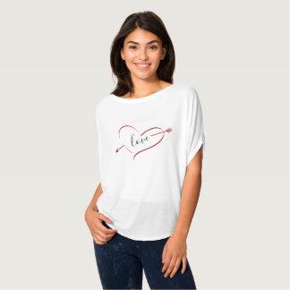 愛ハートのバレンタインデーのワイシャツ Tシャツ