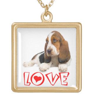 愛バセットハウンドの小犬のペンダントのネックレス ゴールドプレートネックレス